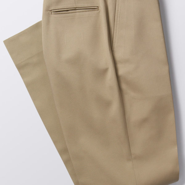 Q and Answer: Where to Find Higher-Rise Trousers <i>without </i>Pleats?